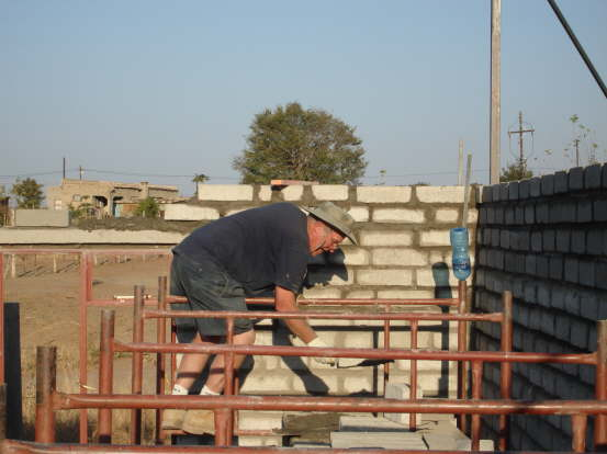 db_Tim_strattles_the_scaffolds_611
